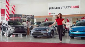 Toyota Summer Starts Here TV Spot, 'Date-Night Text' [T2] - Thumbnail 8