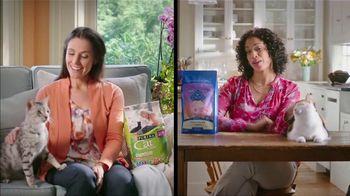 Blue Buffalo TV Spot, 'BLUE vs. Cat Chow: Kitty Cravings' - Thumbnail 2