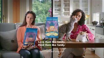 Blue Buffalo TV Spot, 'BLUE vs. Cat Chow: Kitty Cravings' - Thumbnail 9