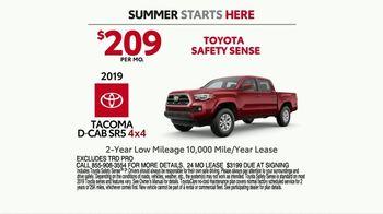 Toyota Summer Starts Here TV Spot, 'Fun Treats' [T2] - Thumbnail 8