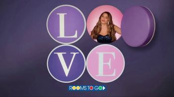 Rooms to Go TV Spot, 'Love at First Sight: Bedroom' Featuring Sofia Vergara - Thumbnail 9