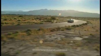 2019 Honda Accord TV Spot, 'Driver's Seat' Featuring James Hinchcliffe [T2] - Thumbnail 3