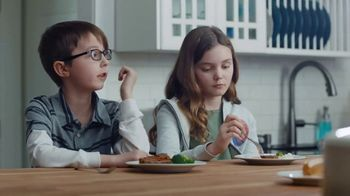 Kraft Macaroni & Cheese TV Spot, 'Dinnertime Excuses' Song by Enya - Thumbnail 4