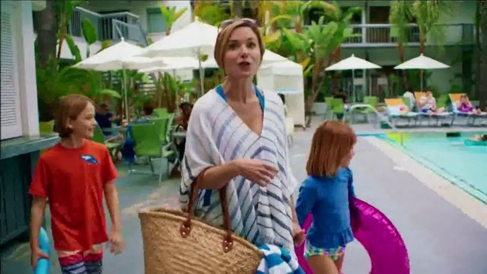 O'Keeffe's For Healthy Feet TV Commercial, 'Relaxing Pedicure'
