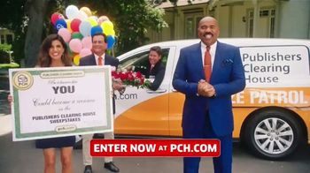Publishers Clearing House TV Spot, 'Win $1,000 a Day for Life: Here's What's Up' Feat. Steve Harvey - Thumbnail 4