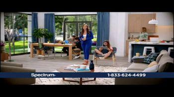 Spectrum TV Spot, 'Upside Down: 200 Mbps'