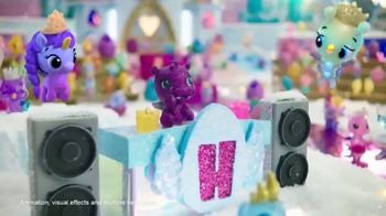 Hatchimals CollEGGtibles Season 6 The Royal Hatch TV Spot, 'Accesories in Every Egg' - Thumbnail 7