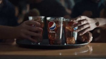 Buffalo Wild Wings TV Spot, 'Pepsi Bath' - Thumbnail 4