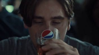 Buffalo Wild Wings TV Spot, 'Pepsi Bath' - Thumbnail 5