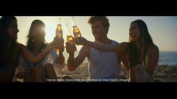 Corona Extra TV Spot, 'Abrazos' canción de Geowulf [Spanish] - Thumbnail 9