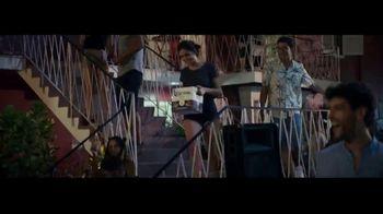 Corona Extra TV Spot, 'Abrazos' canción de Geowulf [Spanish] - Thumbnail 7