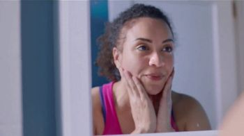 Dove Beauty Bar TV Spot, 'Ana García: instructora de Zumba' [Spanish] - Thumbnail 4