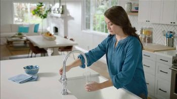 PUR Water TV Spot, 'Clear Doesn't Always Mean Clean' - Thumbnail 1