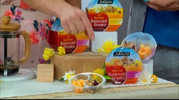 Sargento Sunrise Balanced Breaks TV Spot, 'Hallmark Channel: Home & Family' Featuring Debbie Matenopoulos and Mark Steines - Thumbnail 3