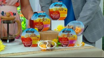 Sargento Sunrise Balanced Breaks TV Spot, 'Hallmark Channel: Home & Family' Featuring Debbie Matenopoulos and Mark Steines - Thumbnail 7