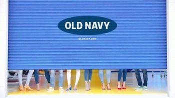 Old Navy TV Spot, 'Entona tu look de verano' canción de Kaskade [Spanish] - Thumbnail 10