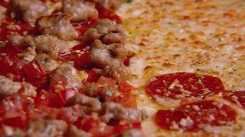Little Caesars HOT-N-READY Quattro Pizza TV Spot, '4-in-1' - Thumbnail 7