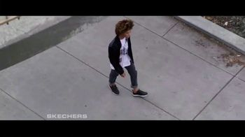 SKECHERS Men's Streetwear TV Spot, 'Conquer the City' - Thumbnail 9