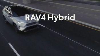 Toyota RAV4 Hybrid TV Spot, 'Fanatics' Featuring Antron Brown [T1] - Thumbnail 9