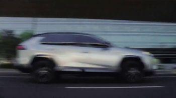 Toyota RAV4 Hybrid TV Spot, 'Fanatics' Featuring Antron Brown [T1] - Thumbnail 7