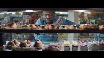 Chase Freedom Unlimited Card TV Spot, 'Grocery Store: $200 Bonus' Featuring Kevin Hart - Thumbnail 3