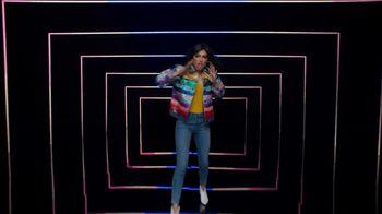 Tide TV Spot, 'Kenan Thompson Drops a Track' Feat. Melissa Villaseñor, Ric Flair, Peyton Manning - Thumbnail 5