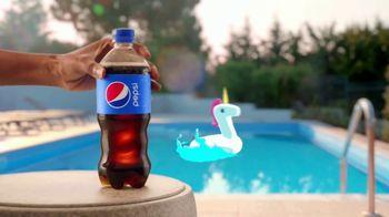 Pepsi TV Spot, 'Summergram: Pool All Day' - Thumbnail 7