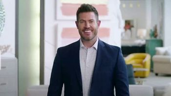 Rooms to Go Memorial Day Sale TV Spot, 'Totally Focused' Featuring Jesse Palmer - Thumbnail 1