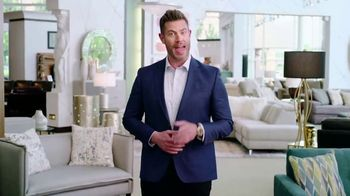 Rooms to Go Memorial Day Sale TV Spot, 'Totally Focused' Featuring Jesse Palmer - Thumbnail 10