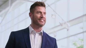 Rooms to Go Memorial Day Sale TV Spot, 'Totally Focused' Featuring Jesse Palmer - Thumbnail 4