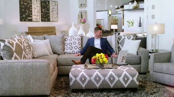Rooms to Go Memorial Day Sale TV Spot, 'Totally Focused' Featuring Jesse Palmer - Thumbnail 5