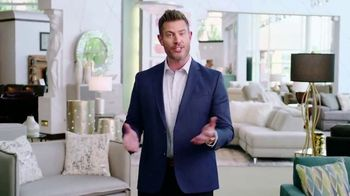 Rooms to Go Memorial Day Sale TV Spot, 'Totally Focused' Featuring Jesse Palmer - Thumbnail 9