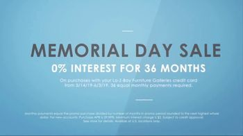 La-Z-Boy Memorial Day Sale TV Spot, 'Subtitles' Featuring Kristen Bell - Thumbnail 9
