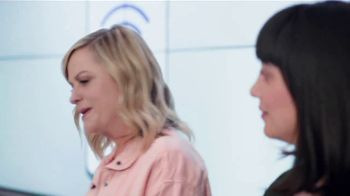 XFINITY Mobile TV Spot, 'A Little Bird Told Me: Internet and Mobile' Featuring Amy Poehler - Thumbnail 2
