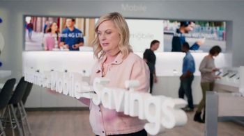 XFINITY Mobile TV Spot, 'A Little Bird Told Me: Internet and Mobile' Featuring Amy Poehler - Thumbnail 6