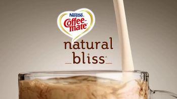 Coffee-Mate Natural Bliss Almond Milk Creamer TV Spot, 'El mundo de los creamers' [Spanish] - Thumbnail 2