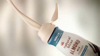 Coffee-Mate Natural Bliss Almond Milk Creamer TV Spot, 'El mundo de los creamers' [Spanish]