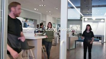 XFINITY Mobile TV Spot, 'A Little Bird Told Me: $250 Back' Featuring Amy Poehler - Thumbnail 6
