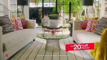 Overstock.com Memorial Day Blowout TV Spot, 'Furniture, Home Decor and Safavieh Rugs' - Thumbnail 4
