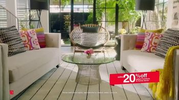 Overstock.com Memorial Day Blowout TV Spot, 'Furniture, Home Decor and Safavieh Rugs' - Thumbnail 5