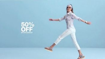Macy's One Day Sale TV Spot, 'Deals of the Day: Sportswear, Pillows and Shoes' - Thumbnail 3