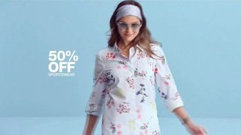 Macy's One Day Sale TV Spot, 'Deals of the Day: Sportswear, Pillows and Shoes' - Thumbnail 4