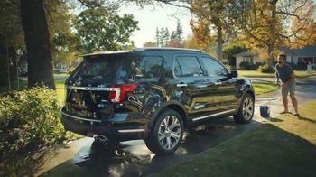 Ford SUVs TV Spot, 'Lavado de autos' [Spanish] [T2] - Thumbnail 2
