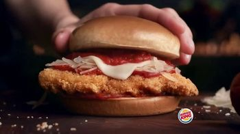 Burger King Chicken Parmesan TV Spot, 'Cheesy Delicious' - Thumbnail 7