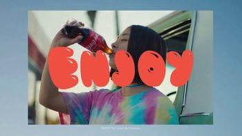 Coca-Cola TV Spot, 'Summer Love' Song by Chantays - Thumbnail 9