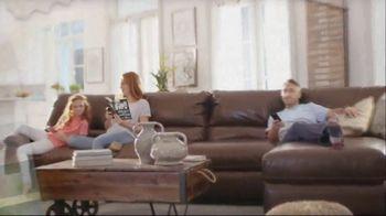 La-Z-Boy Father's Day Sale TV Spot, 'Pair of Recliners' - Thumbnail 1