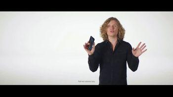 Verizon TV Spot, 'Blake and Chris: iPhone XR' - Thumbnail 3