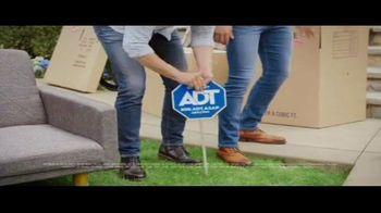 ADT TV Spot, 'Moving Season Is ADT Season' Featuring Jonathan Scott, Drew Scott - Thumbnail 6