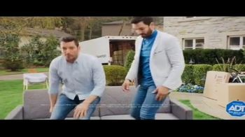 ADT TV Spot, 'Moving Season Is ADT Season' Featuring Jonathan Scott, Drew Scott - Thumbnail 7