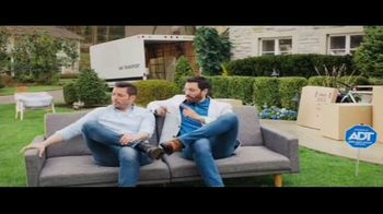 ADT TV Spot, 'Moving Season Is ADT Season' Featuring Jonathan Scott, Drew Scott - Thumbnail 9